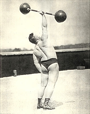Frlange-doing-one-arm-snatch